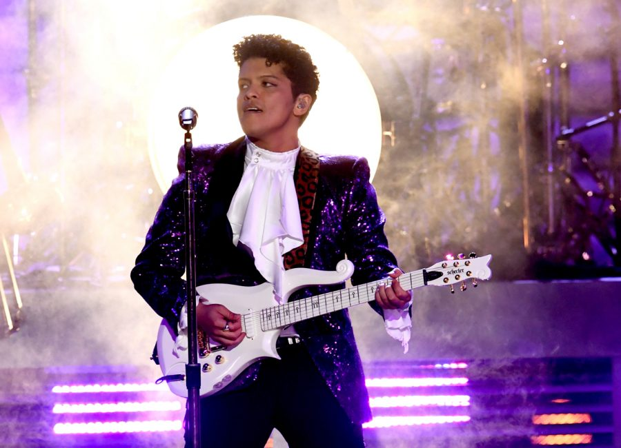 Bruno Mars performing his Prince Tribute at the 2017 Grammy's.