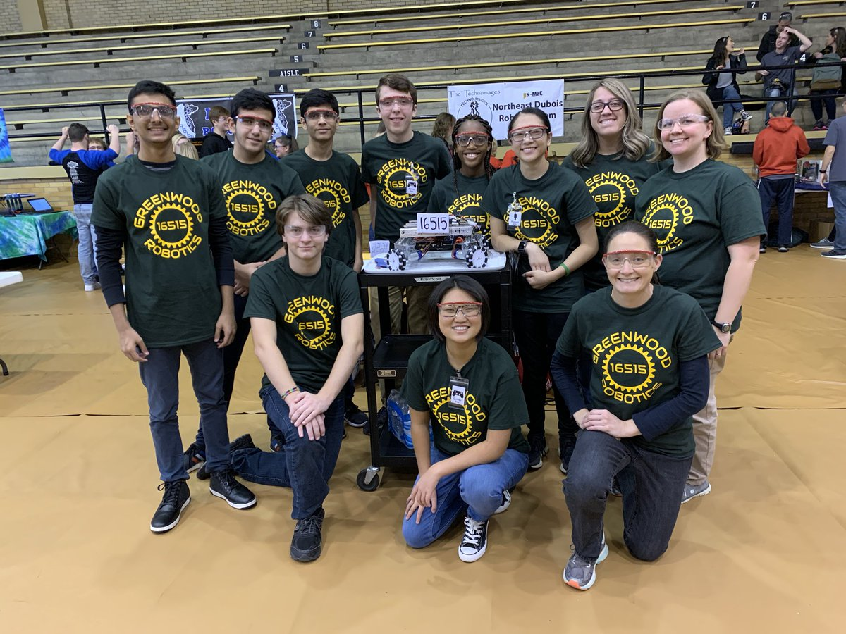 Greenwood's 2019-2020 robotics team. (Photo from @PhysicsMurphy on Twitter)